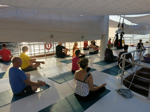 040-yoga-cruise-gallery