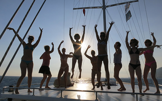 4-yogacruise-life-on-board